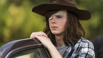 Video the walking dead 8, il viaggio di carl grimes al centro di un'emozionante clip