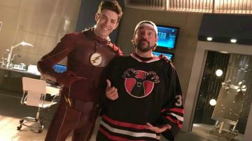 Video the flash prenderà letteralmente il volo nell'episodio intitolato 'null and annoyed'!