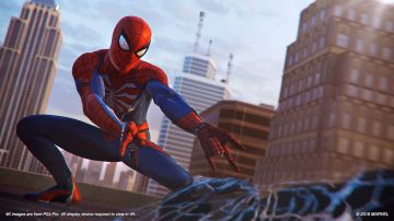 Video spider-man: a spasso per new york con l'uomo ragno nella nostra video anteprima in 4k