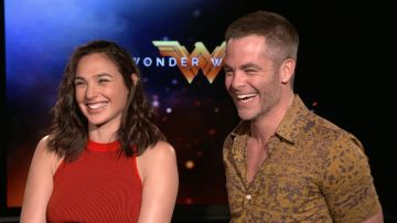 Video wonder woman 1984: ecco diana e steve nel bel mezzo di un disastro: set video!