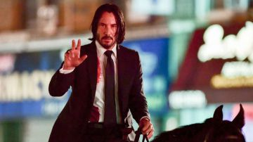 Video john wick 3: parabellum, keanu reeves a cavallo nelle foto e video dal set