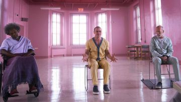 Video glass, l'atteso film di m. night shyamalan si mostra nel trailer ufficiale in italiano