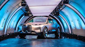 Video bmw vision inext: l'auto di lusso del futuro secondo i tedeschi