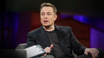 Video elon musk annuncerà un dispositivo neuralink capace di collegare cervello e computer