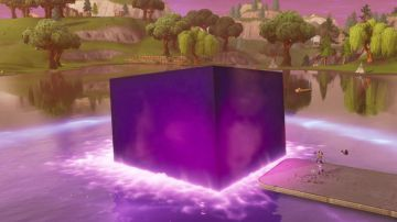 Video fortnite battle royale: il cubo viola si è sciolto nel lago!