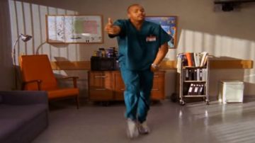 Video fortnite: donald faison di scrubs si lamenta, epic ha rubato un mio ballo per una emote