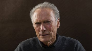 Video clint eastwood si complimenta con bradley cooper per a star is born