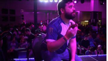 Video super smash bros melee: vince torneo, gli tirano un granchio addosso