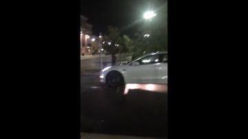 Video vede una tesla model 3 muoversi senza conducente: la reazione è epica