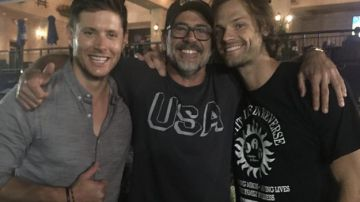 Video supernatural: la storia dietro il tatuaggio di jensen, jared e jeffrey