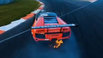 Video ecco una lamborghini murcielago in una gara di formula drift memorabile