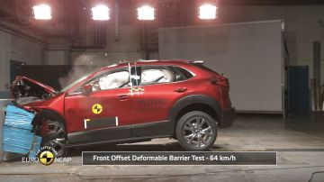 Video trionfo della mazda cx-30 nei test euro ncap: battute mercedes e ford
