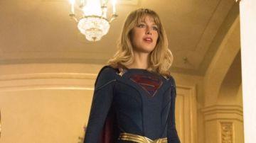 Video supergirl, un omaggio a un'iconica scena nel teaser di crisi sulle terre infinite