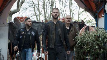 Video nel trailer della terza stagione di suburra aureliano è pronto a conquistare roma