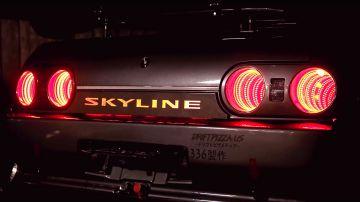 Video questi fari per nissan skyline r32 sono ipnotizzanti e si comandano col controller del nes