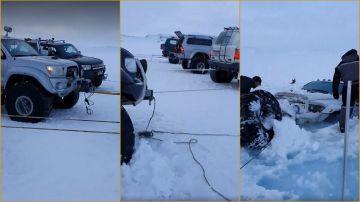 Video dodge ram affondata nel ghiaccio, il recupero del mezzo è geniale