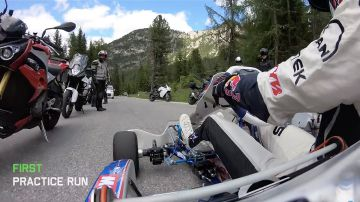 Video un kart sfida una laferrari aperta sulle dolomiti: il video di andreas bakkerud