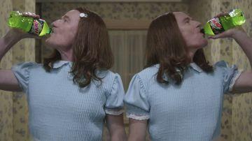 Video nuovo spot per bryan cranston: eccolo nei panni delle gemelle di shining
