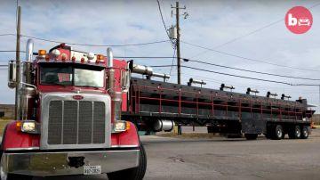 Video camionista crea il più grande barbecue su ruote al mondo: il video