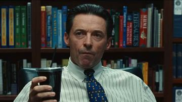 Video hugh jackman al centro di una bufera nel nuovo trailer di bad education