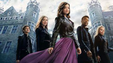 Video nuovi supereroi per disney plus nel trailer di secret society of second born royals