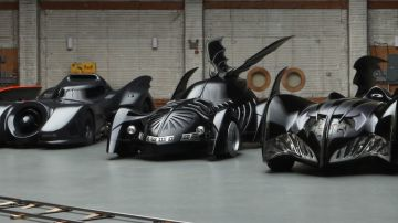 Video batman: la mitica batmobile al centro di uno spettacolare documentario online