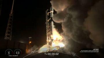 Video spacex non si ferma: nuovo lancio porta in orbita 60 satelliti, tra cui uno speciale