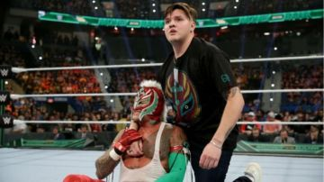 Video wwe, i retroscena sul brutale incontro di dominik mysterio