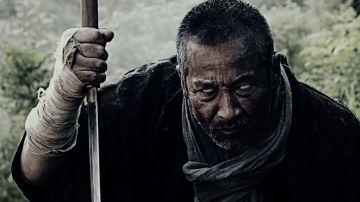 Video predator nel giappone feudale sfida zatoichi: la cosa più incredibile che vedrete oggi!