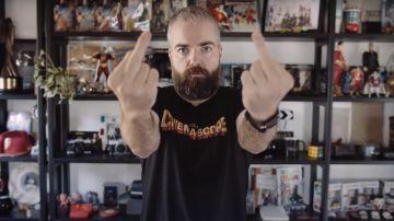 Video shazam!, la sfida di david f. sandberg vi mostra il dito medio per quattro ore