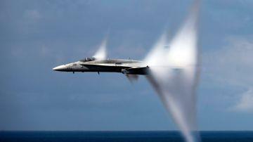 Video forte boato in città a parigi: un aereo da combattimento ha infranto la barriera del suono