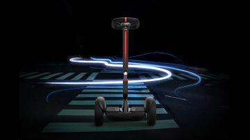 Video nuovo segway ninebot s max, l'hoverboard con sterzo che diventa un go-kart
