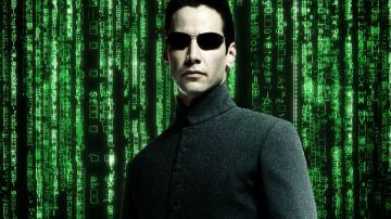 Video matrix, keanu reeves prende la pillola blu e si ritrova in un altro film: guarda il video