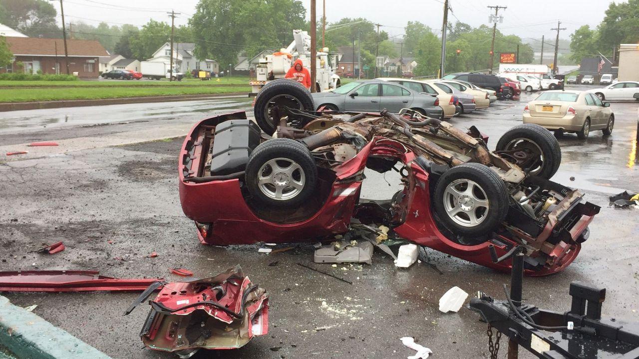 4 incidenti su 10 causati da distrazione, attenzione a smartphone e bimbi seduti avanti