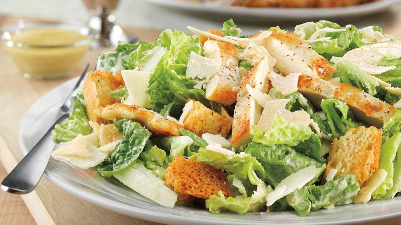 A cosa deve il suo nome la famosissima Caesar Salad?