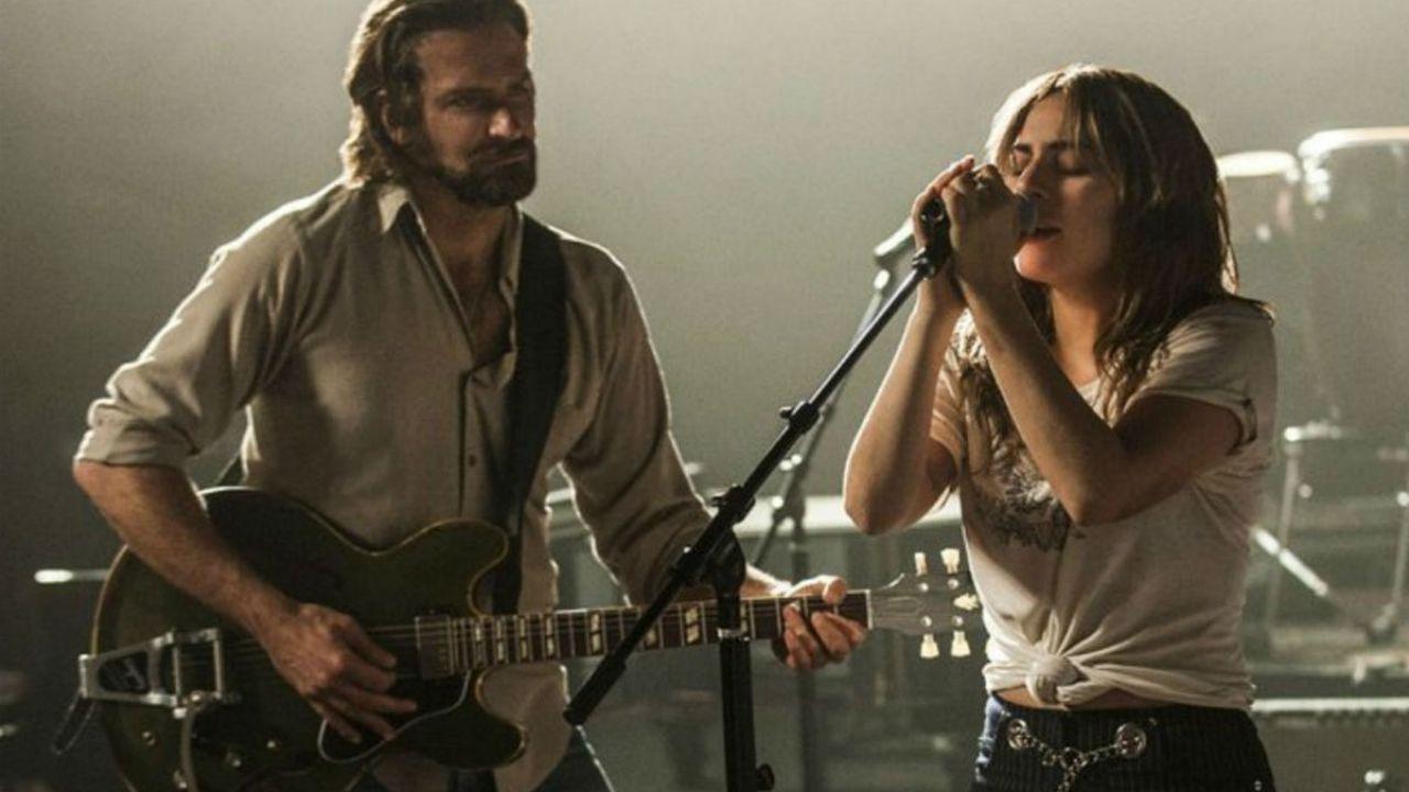 A Star is Born: il film d'esordio di Bradley Cooper si guadagna la copertina di EW