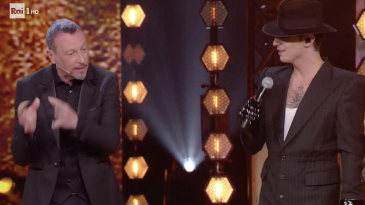 Achille Lauro duetta con Fiorella Mannoia: arriva Amadeus che lo riporta a Sanremo