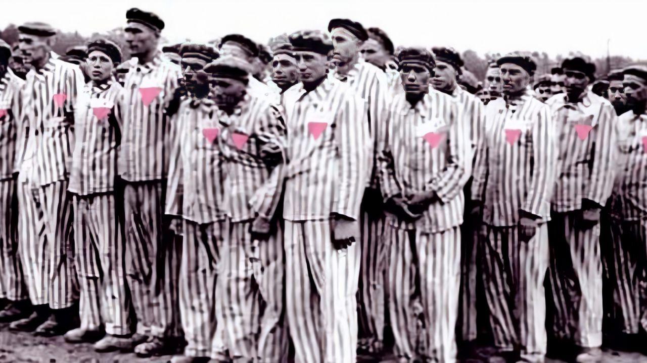 Ad ogni colore, una condanna: quando gli omosessuali venivano ridotti ad un triangolo rosa