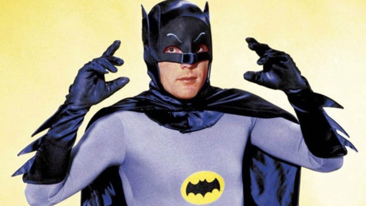 Addio ad Adam West, leggendario Batman della TV. Aveva 88 anni