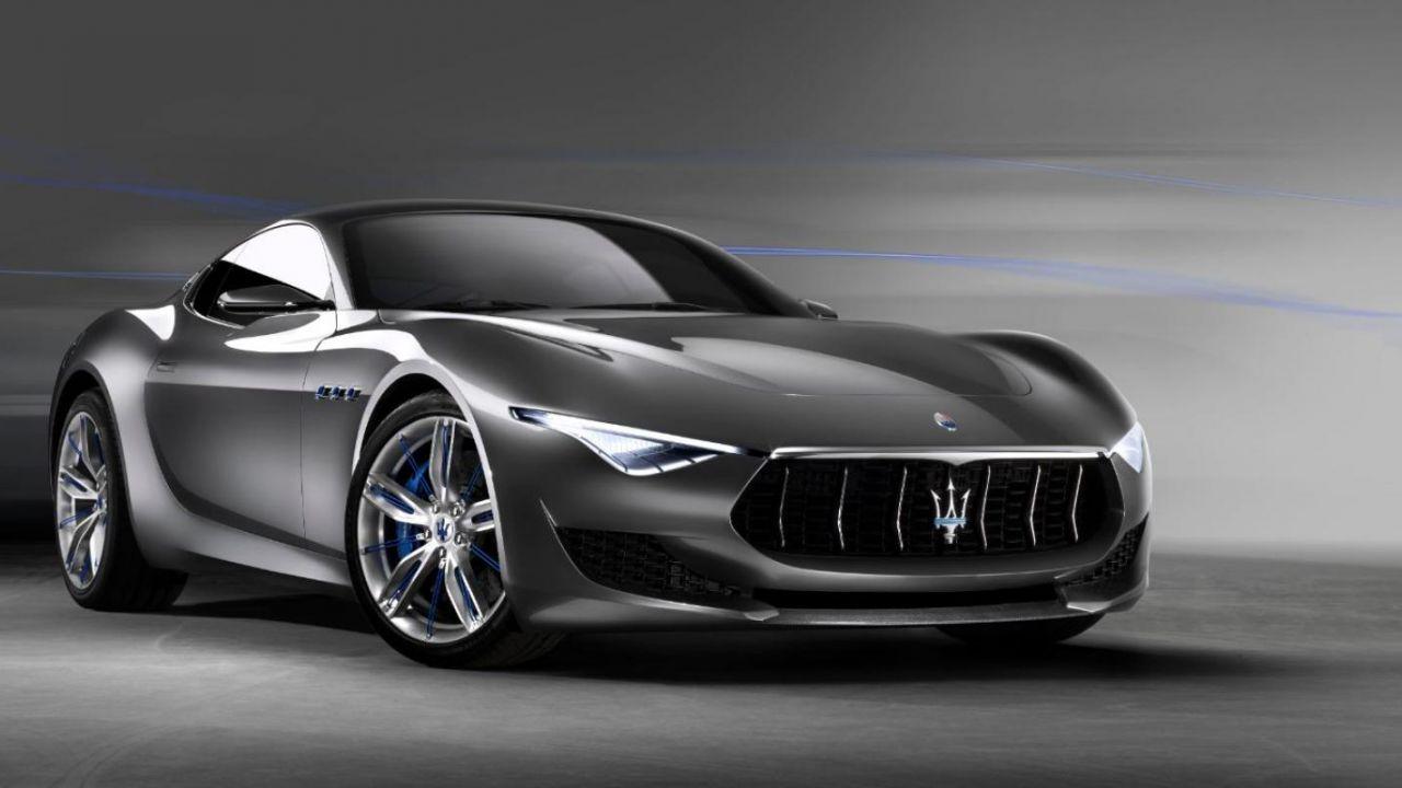 Addio al rombo Maserati: il brand elettrificherà tutta la gamma entro il 2025