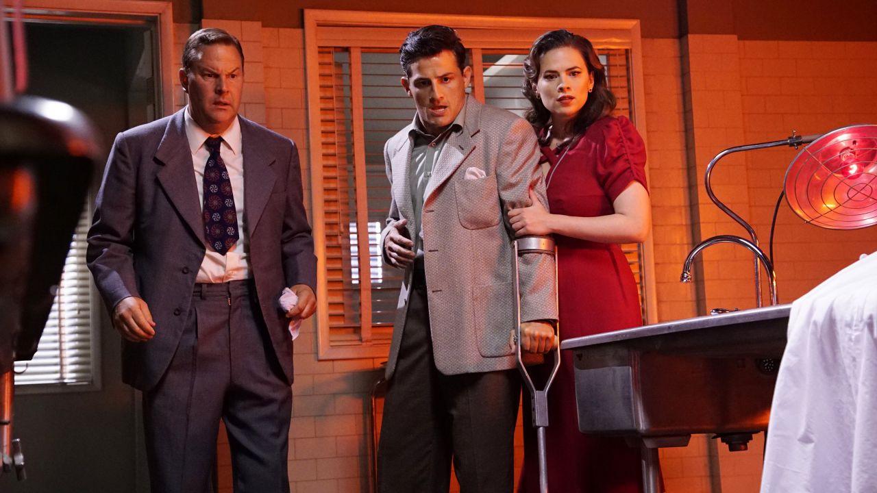 Agent Carter 2: una clip da 'Better Angels', la sinossi di 'The Atomic Job'