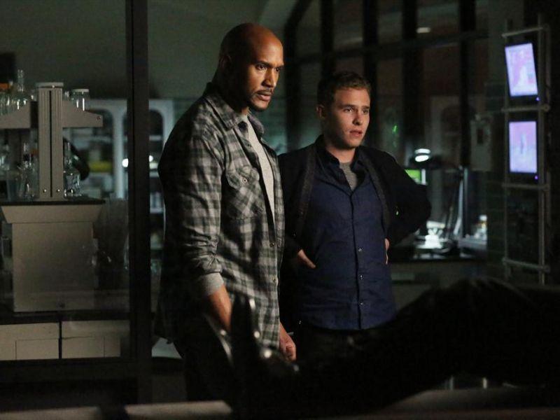 Agents of SHIELD, Henry Simmons racconta il suo primo giorno sul set della serie Marvel