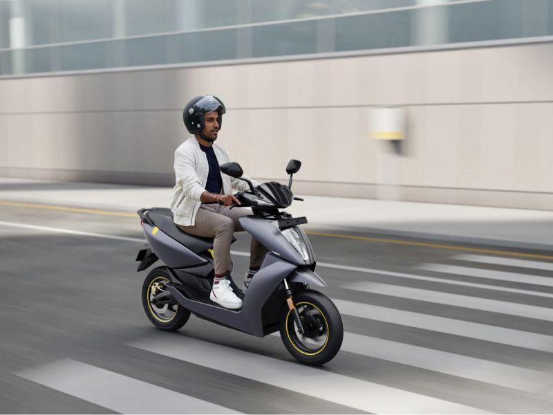 Al CES 2021 il nuovo Ather 450X: il più veloce scooter elettrico simil 125cc
