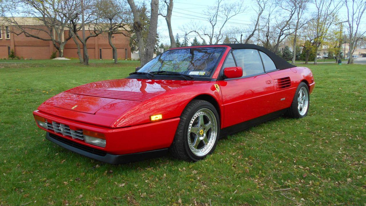 All'asta una Ferrari Mondial T Cabrio per circa 20.000 euro: le immagini