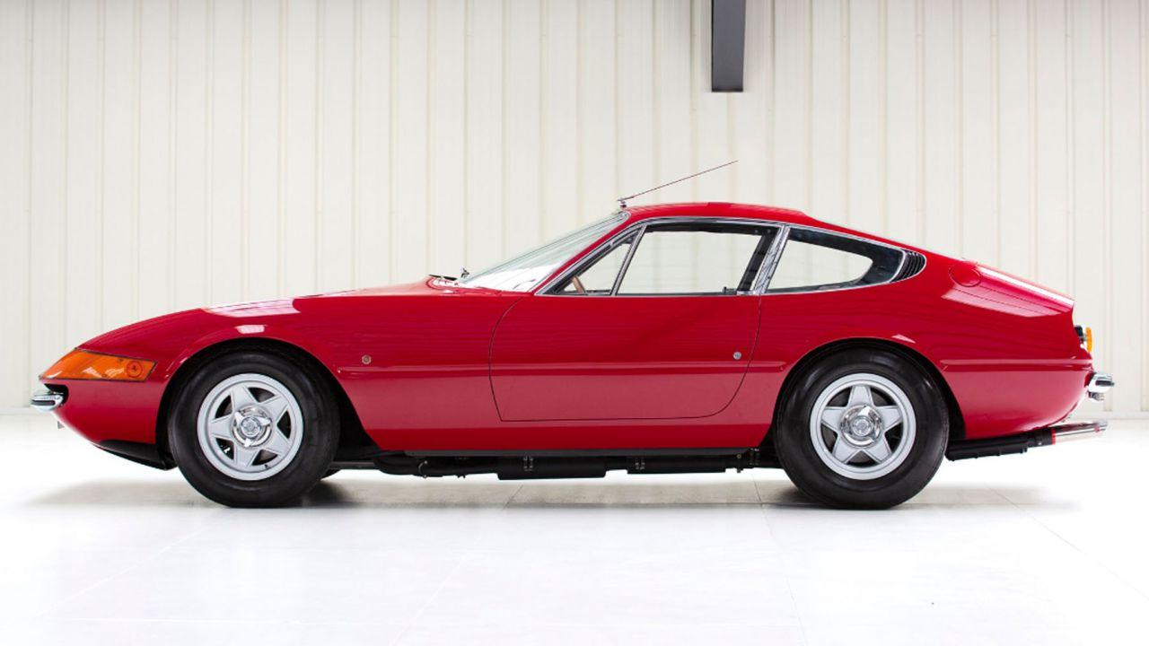 All'asta una rara Ferrari 365 GTB/4 Daytona con guida a destra