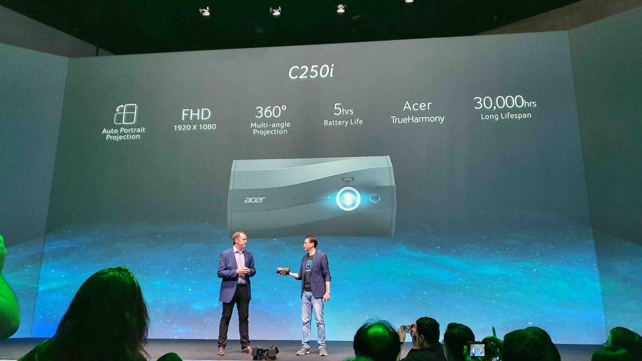 All'IFA debutta il nuovo C250i di Acer: il proiettore a LED wireless per smartphone