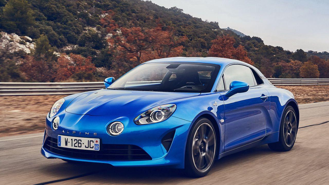 Alpine potrebbe lanciarsi completamente sulle EV: qual è il futuro della A110?