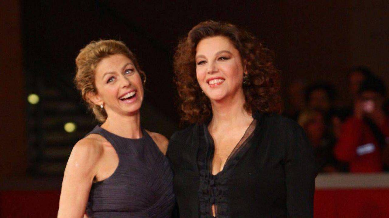 Amanda Sandrelli a Io e te: chi è l'attrice figlia di Stefania Sandrelli e Gino  Paoli