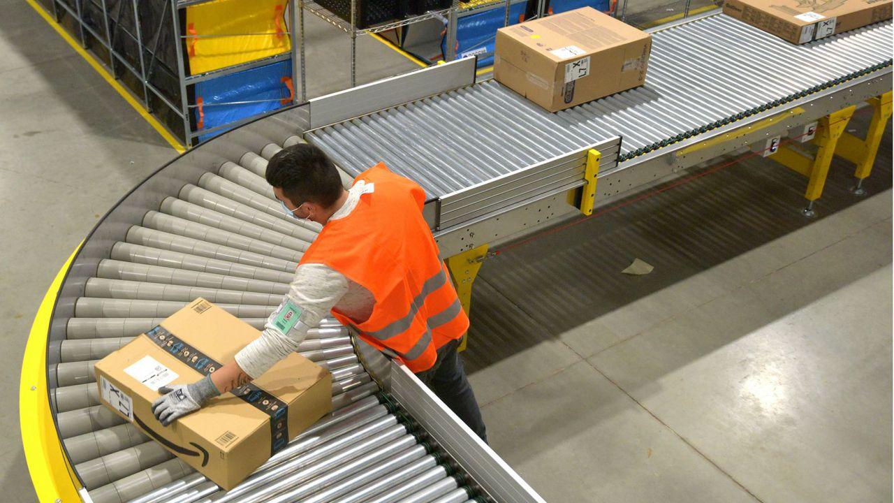 Amazon potenzia ancora la logistica in Italia: nuovo deposito di smistamento a Milano