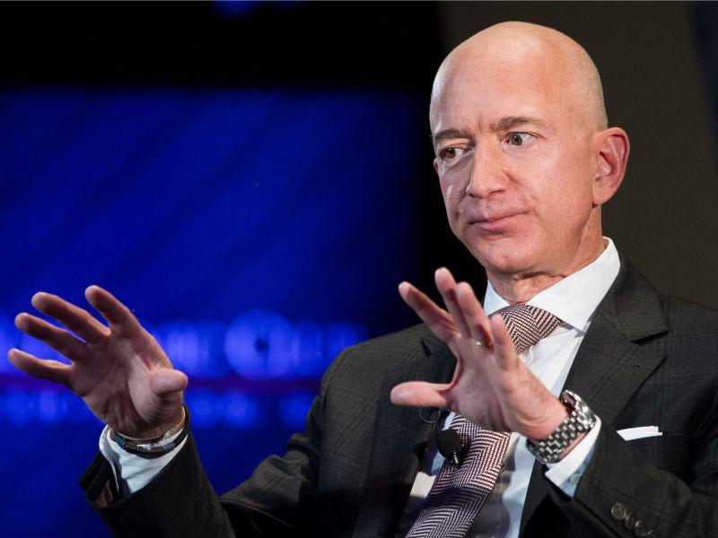 Amazon rassicura tutti: 'Jeff Bezos avrà un ruolo attivo nella gestione'
